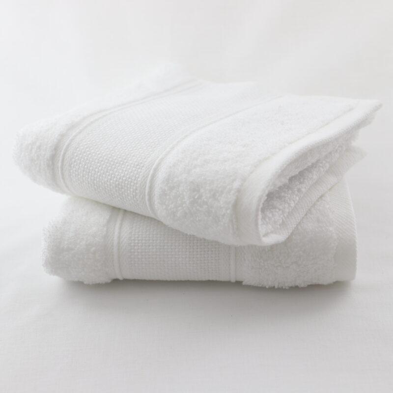 Lot de 2 serviettes invité a broder aida Linandelle